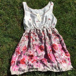 NWT XXI Silky Floral Tunic